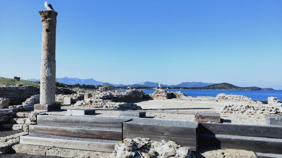 tour-cagliari-area-archeologica-nora-magazine-hotel-aristeo